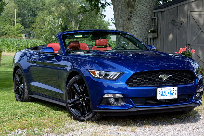 2015 ford mustang convertible road test road. Black Bedroom Furniture Sets. Home Design Ideas