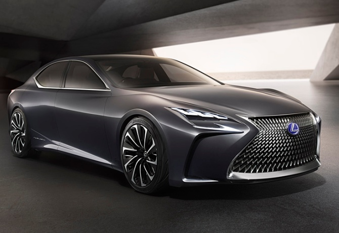 hydrogen fuel cell-powered flagship sedan Lexus LF-FC, Road-Test.org, Iain Shankland