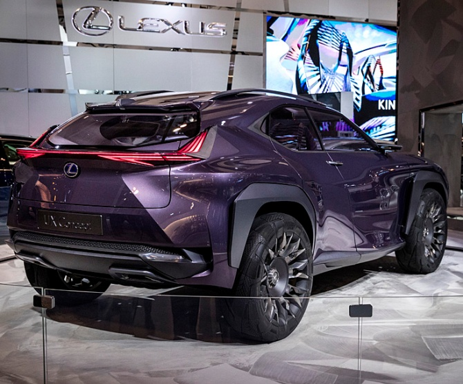 Lexus UX luxury compact SUV, Road-Test.org, Iain Shankland