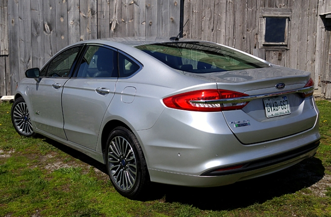 2017 Ford Fusion Energi, Iain Shankland, Road-Test.org, EV, PHEV - Plug-In Hybrid Electric Vehicle