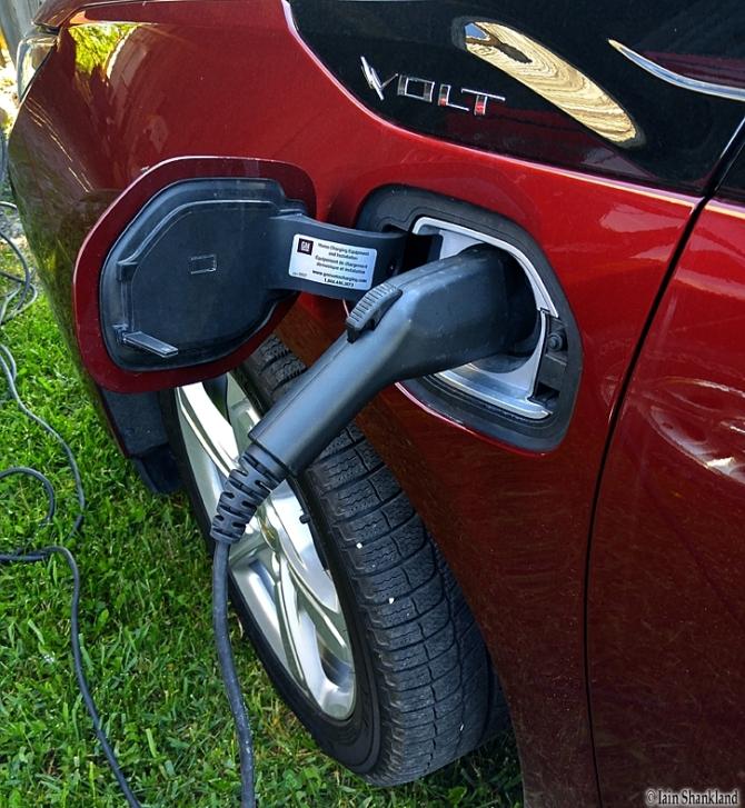 2017 Chevrolet Volt, Iain Shankland, Road-Test.org, EV, PHEV